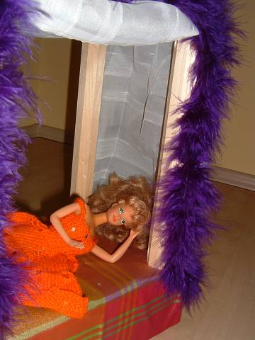 http://www.katrinskreativeck.de/Barbie/Babrie-0014.jpg